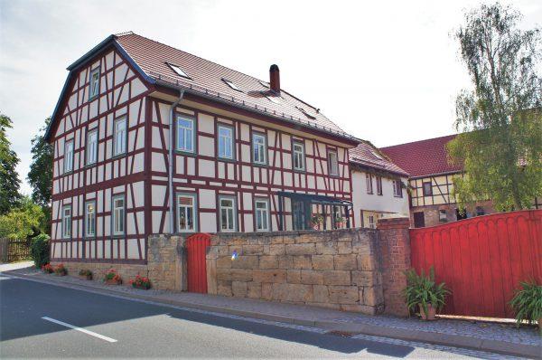 Saniertes Fachwerkgebäude